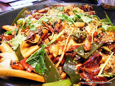 Tianjin Food For Thought 106 - Yi Ma Yi La Spicy Hot Pot (一